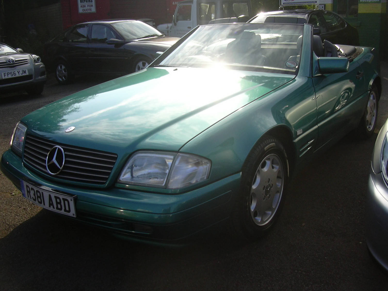 Mercedes-Benz SL Class 2.8 SL280 Convertible Petrol Green at H & D Motors Watford