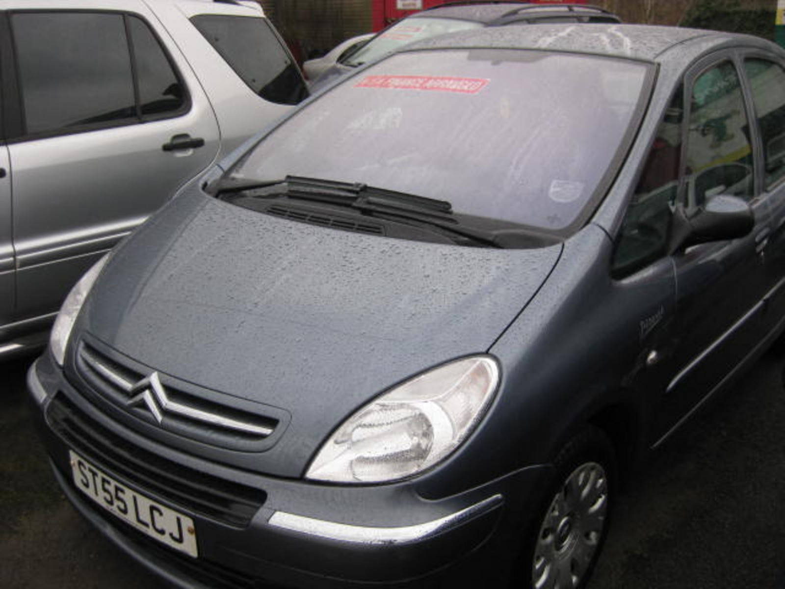 Citroen Xsara 1.6 Desire MPV Petrol Grey at H & D Motors Watford