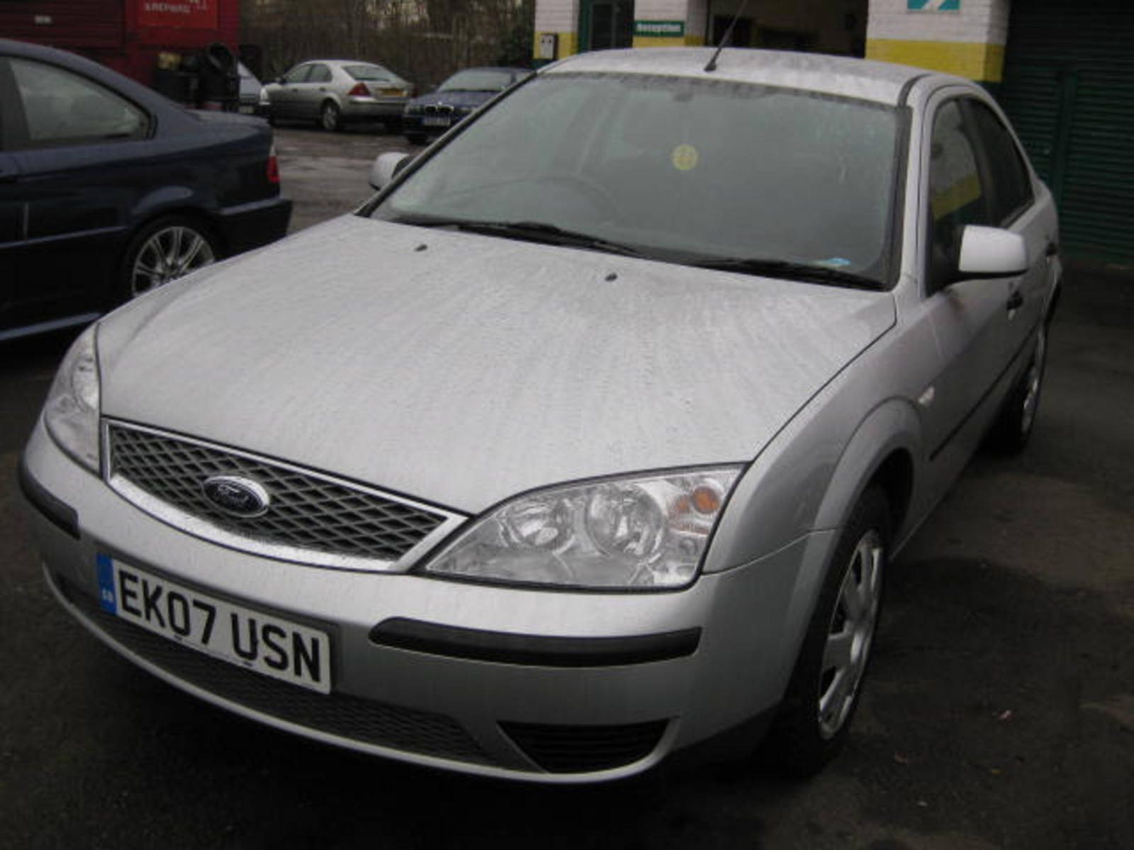 Ford Mondeo 1.8 LX Hatchback Petrol Silver at H & D Motors Watford