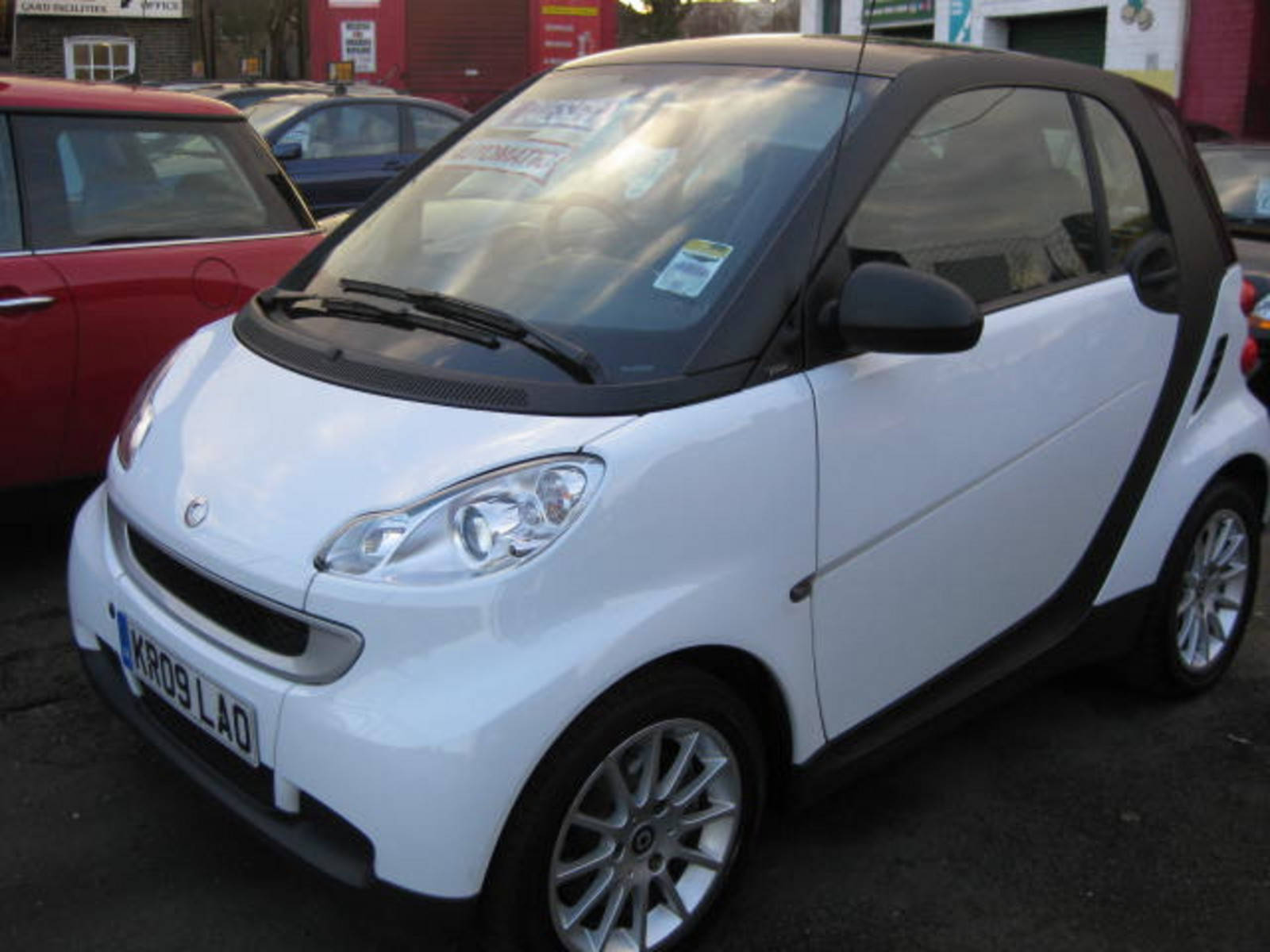Smart Fortwo 0.8 CDI Passion Coupe Diesel Silver at H & D Motors Watford