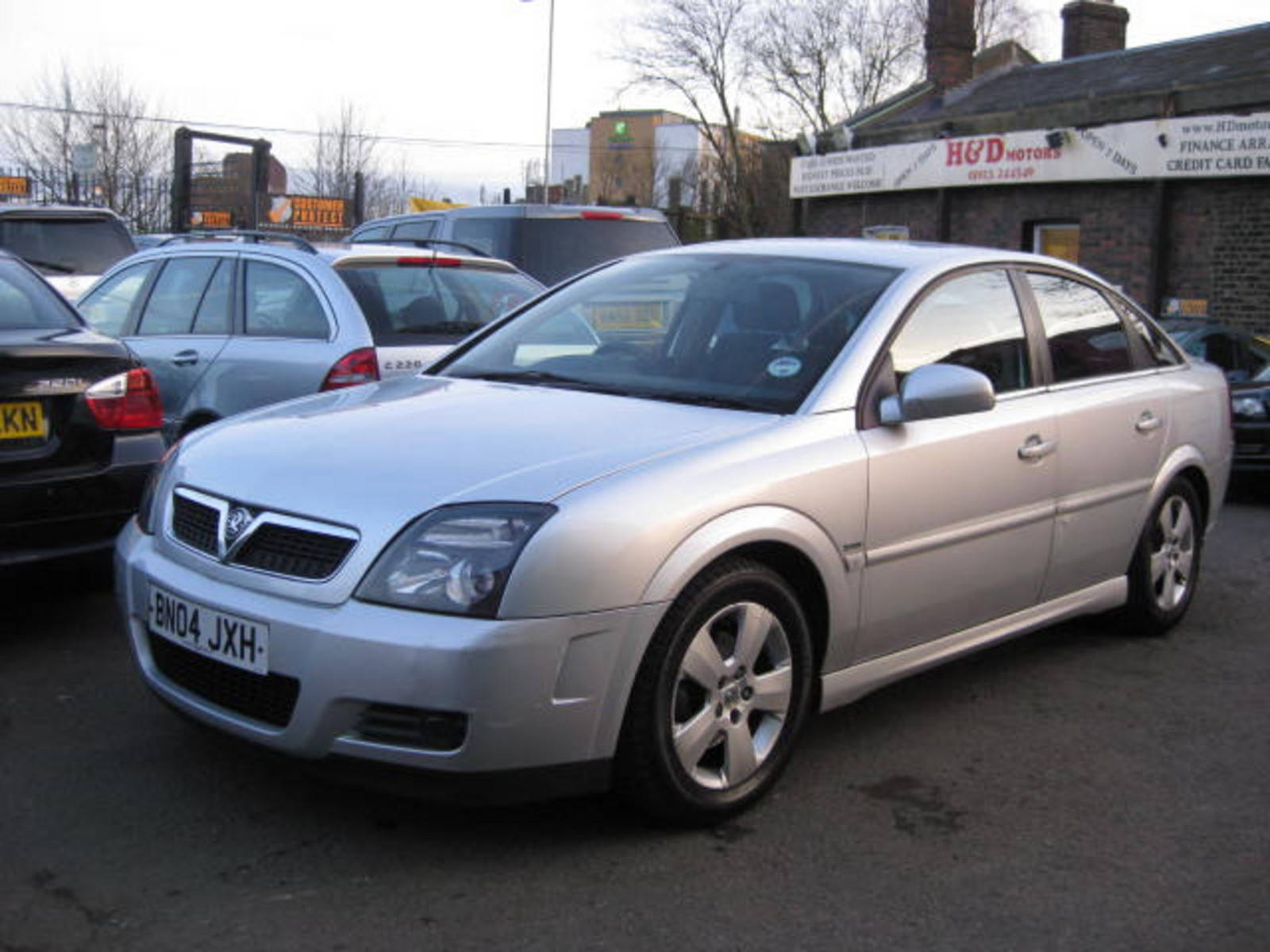 Vauxhall Vectra 1.8 SXi Hatchback Petrol/Gas Silver at H & D Motors Watford