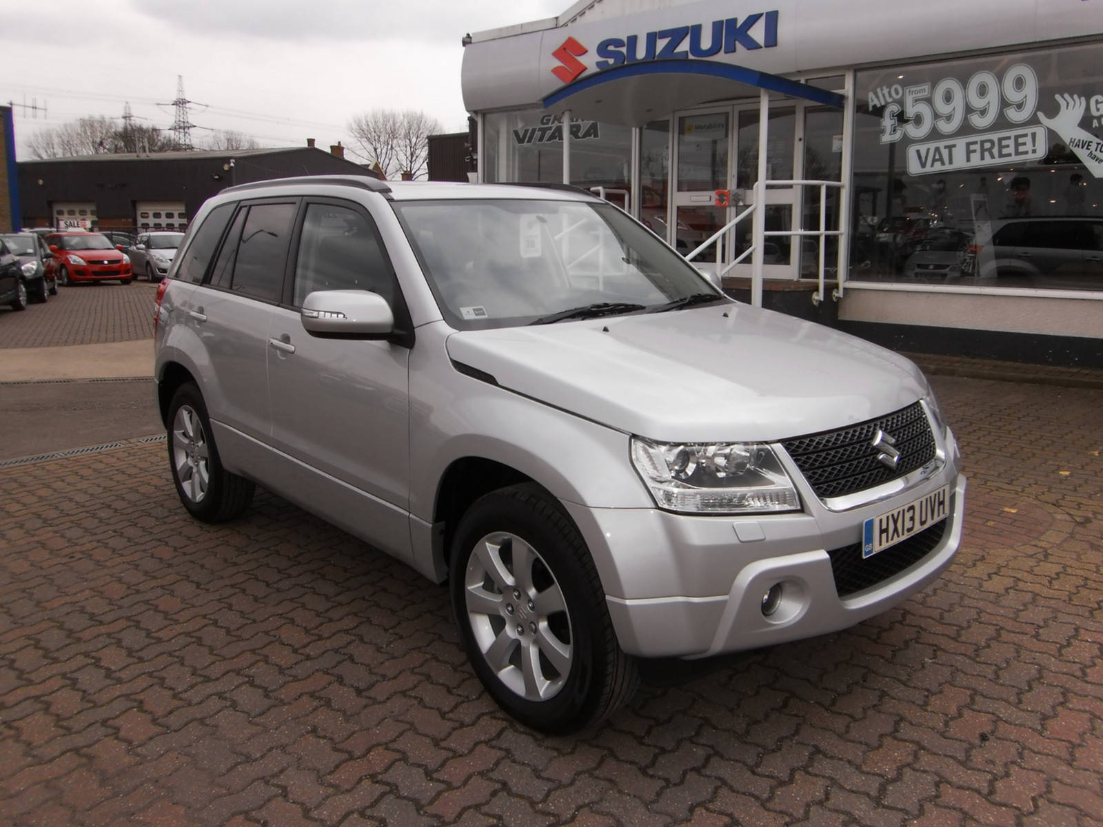 Suzuki Grand Vitara 2.4 SZ5 Estate Petrol Silver