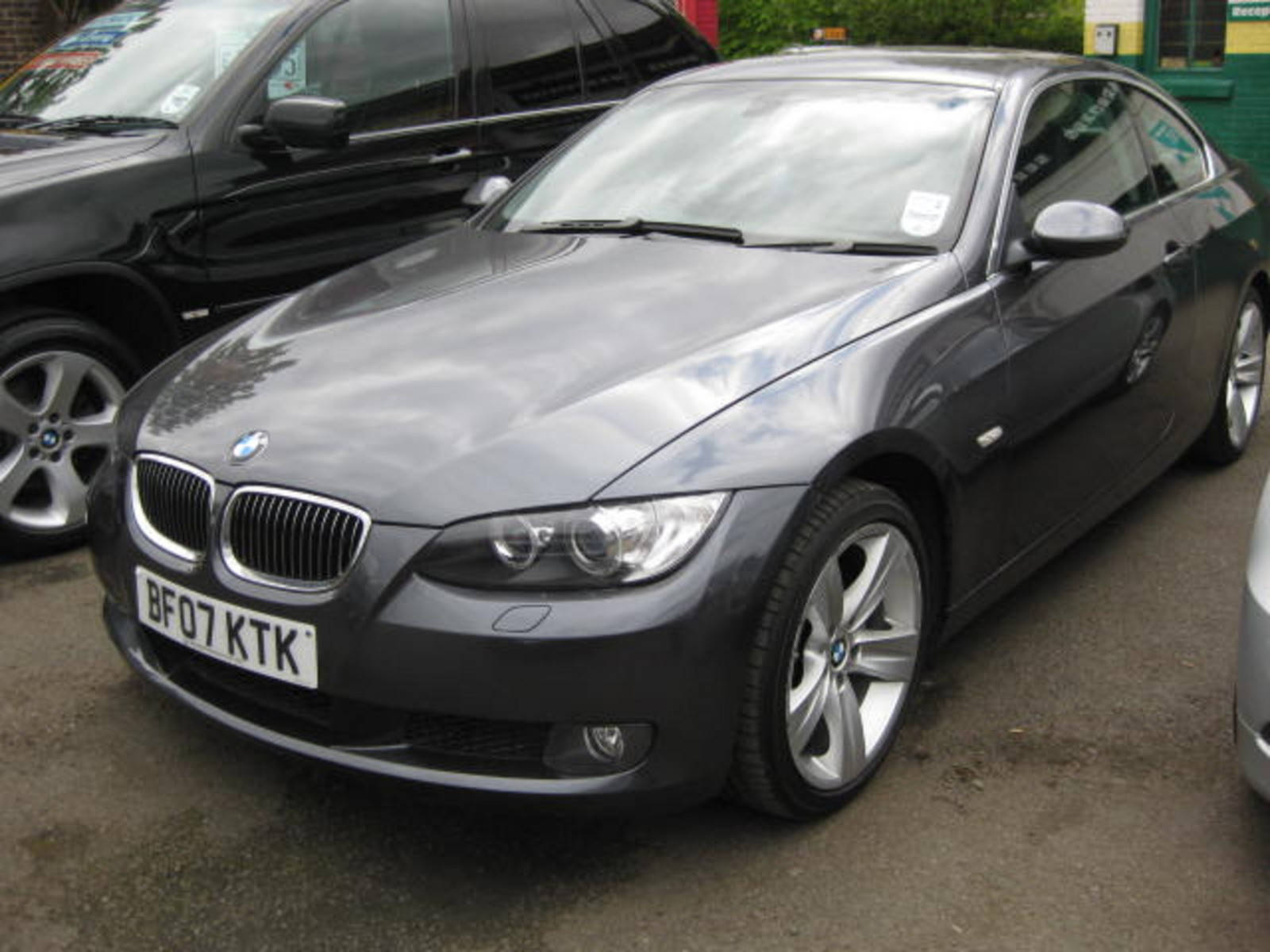 BMW 3 Series 2.5 325i SE Coupe Petrol Grey at H & D Motors Watford