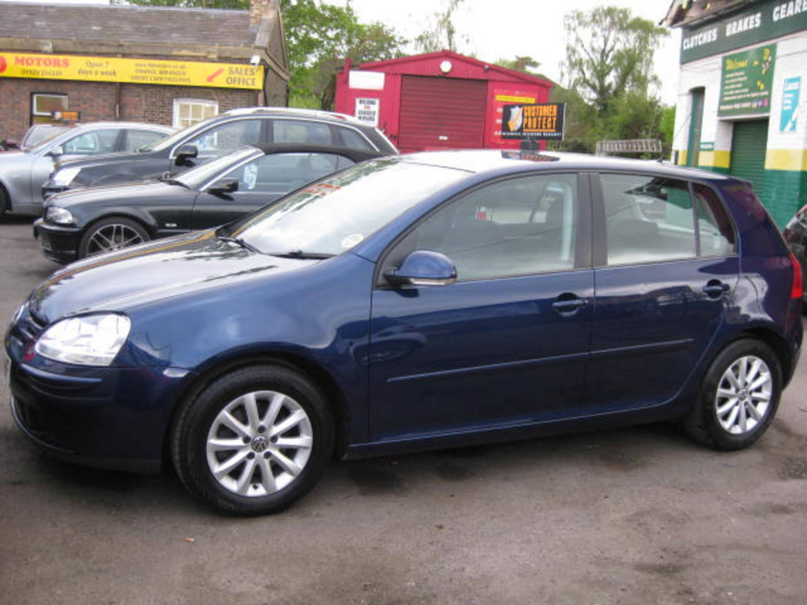 Volkswagen Golf 1.9 TDI BlueMotion Match Hatchback Diesel Blue at H & D Motors Watford
