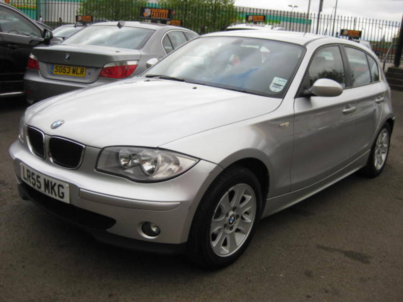 BMW 1 Series 2.0 118i SE Hatchback Petrol Silver at H & D Motors Watford