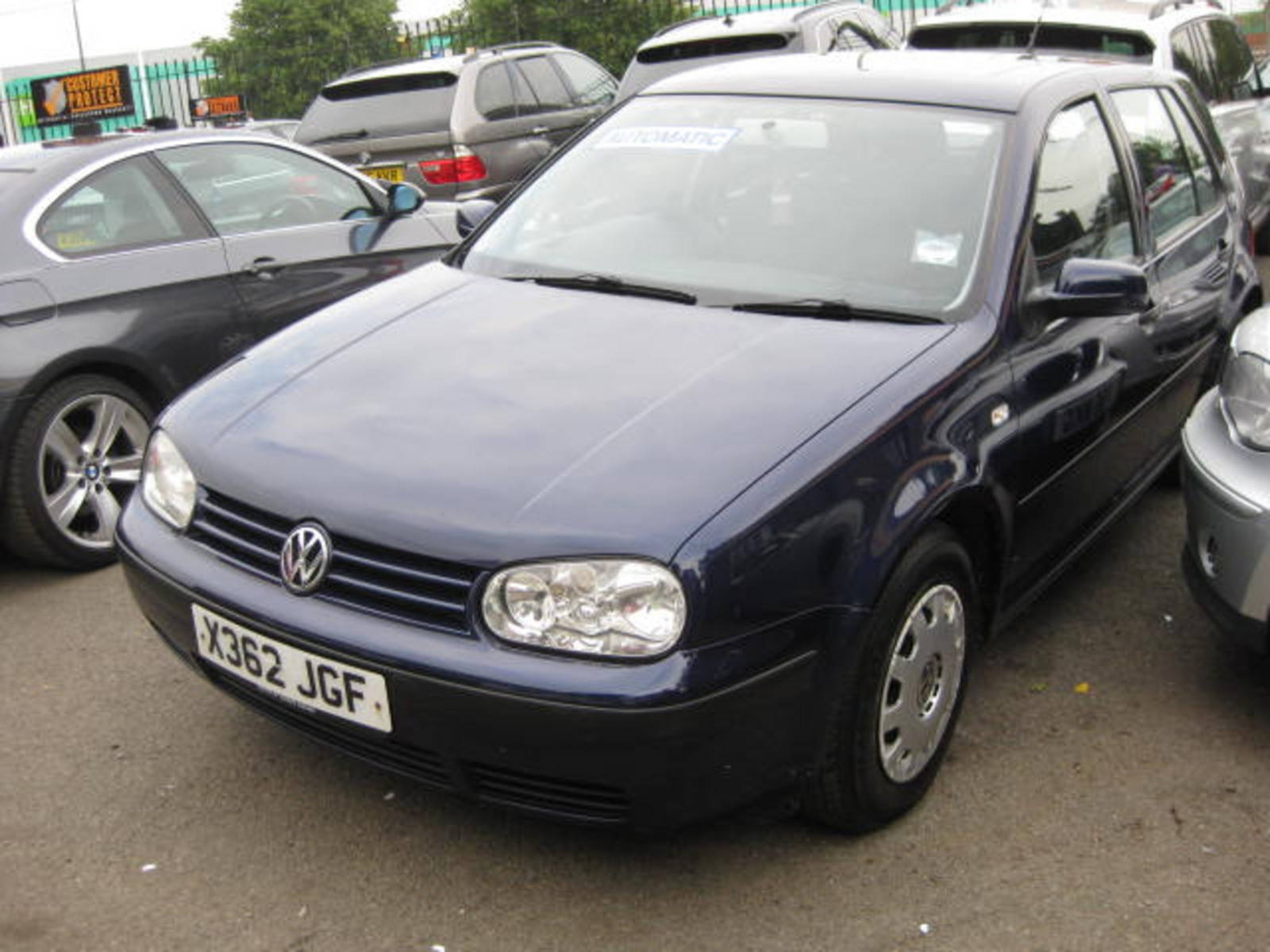 Volkswagen Golf 1.6 SE Hatchback Petrol Blue at H & D Motors Watford