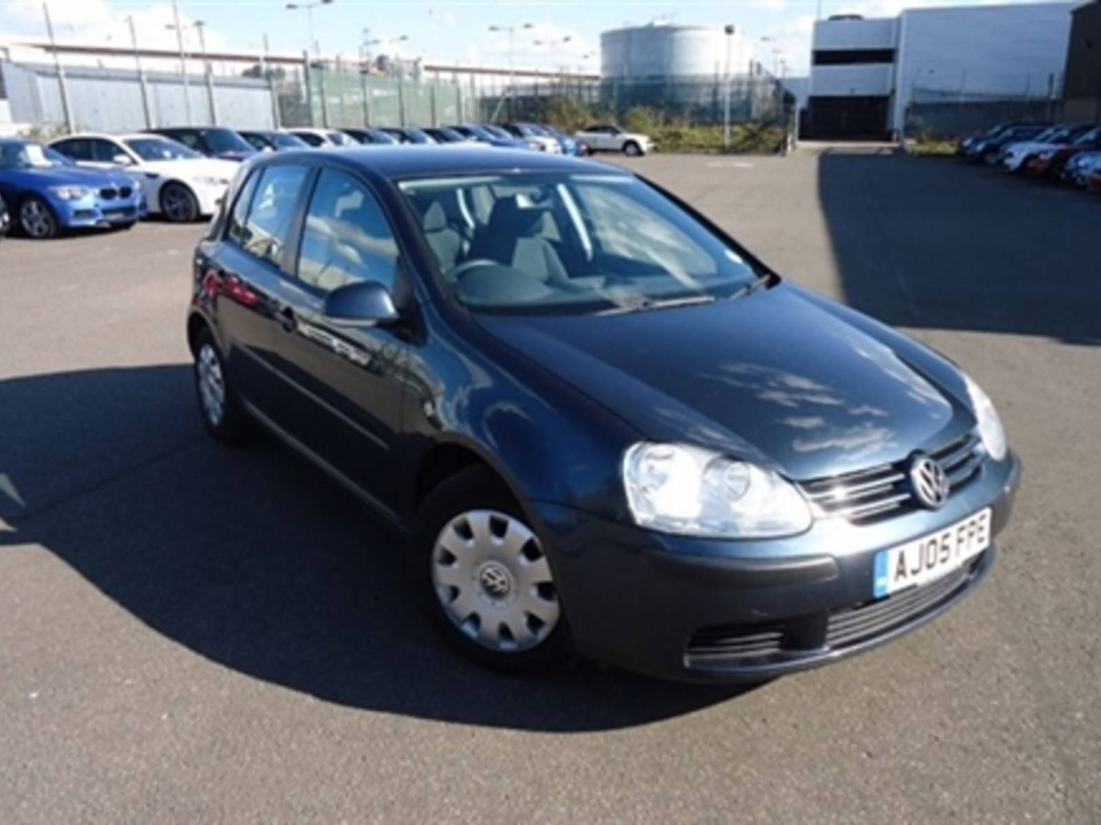 Volkswagen Golf 1.6 FSI S Hatchback Petrol Blue at H & D Motors Watford