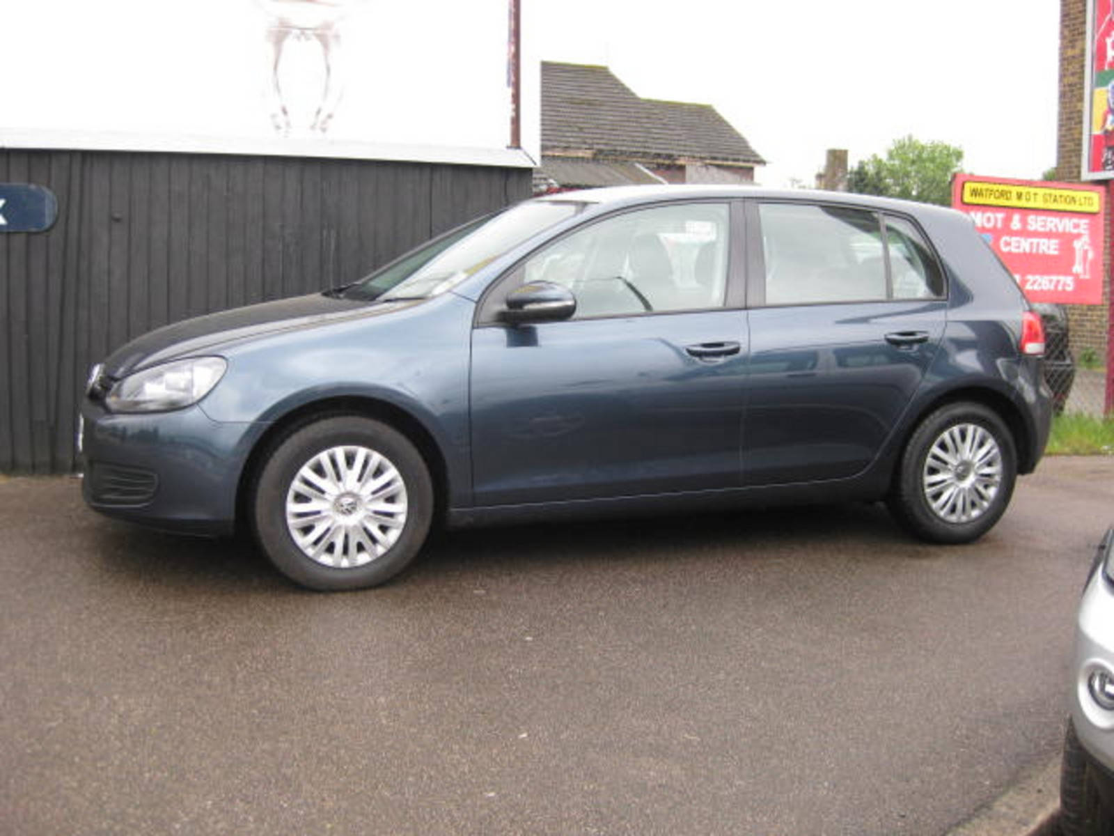 Volkswagen Golf 1.6 S Hatchback Petrol Blue at H & D Motors Watford