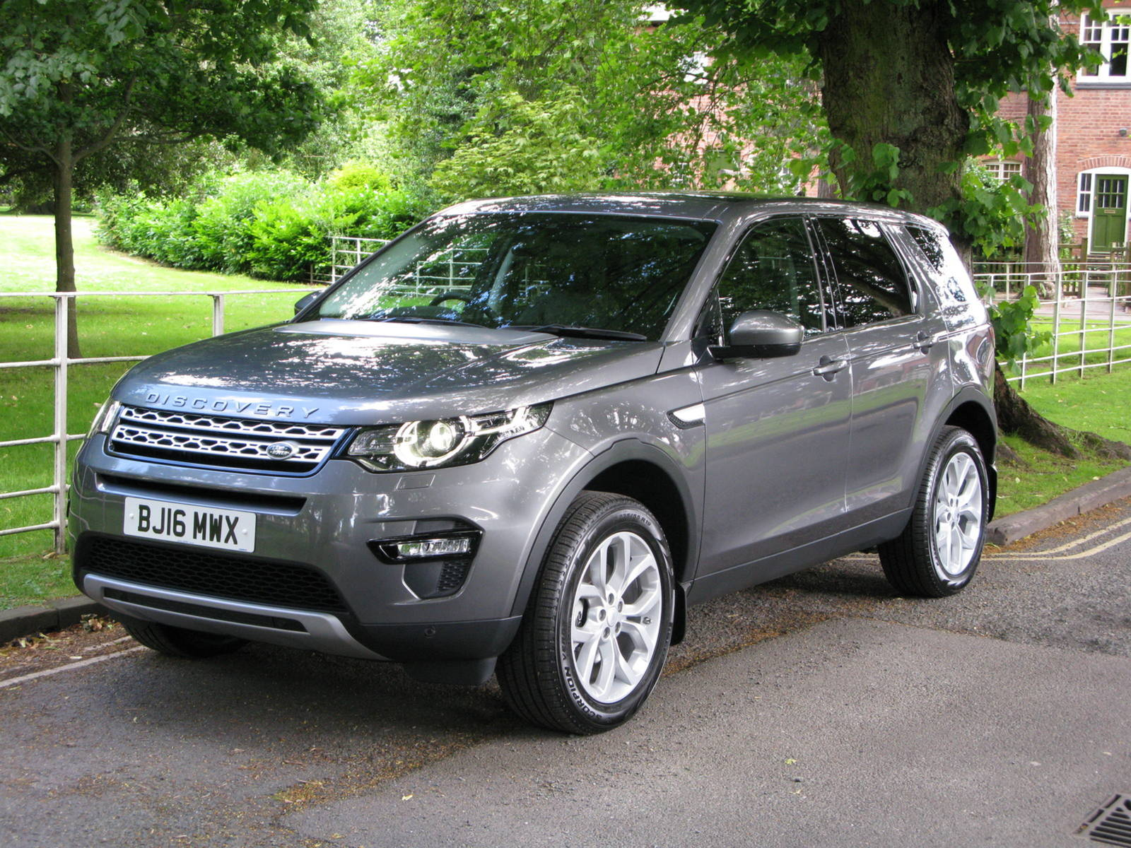 Photo of Land RoverDiscovery Sport